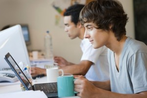 como fazer currículo para primeiro emprego